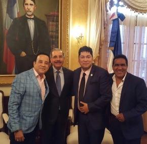 El pacha se reúne con el presidente DaniloMedina